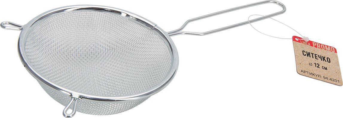Ситечко Regent Inox Promo, диаметр 12 см. 94-420194-4201Ситечко Regent Inox Promo, выполненное из нержавеющей стали, станет незаменимым аксессуаром на вашей кухне. Оно предназначено для просеивания и процеживания. Удобная ручка с пластиковой вставкой не позволит выскользнуть изделию из вашей руки. Ручка имеет отверстие, с помощью которого изделие можно подвесить в удобном для вас месте. Такое ситечко станет достойным дополнением к кухонному инвентарю. Диаметр ситечка по верхнему краю: 12 см.