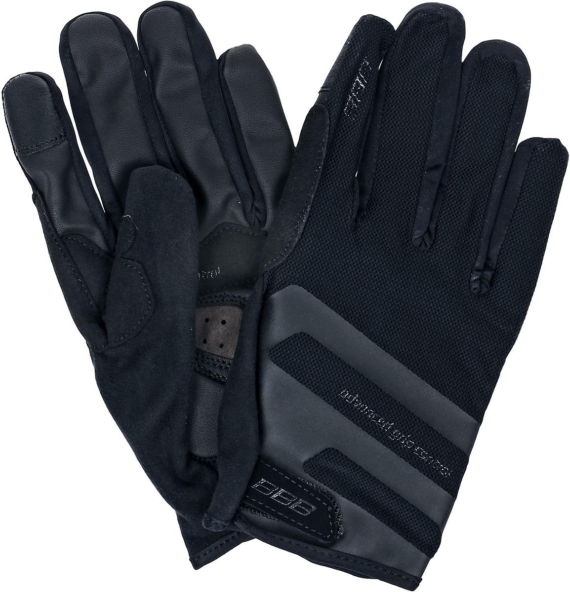 Перчатки велосипедные BBB AirZone, цвет: черный. Размер MBBW-50Когда трейлы накаляются от зноя, перчатки Airzone - ваш лучший выбор. Эти перчатки с длинными пальцами снабжены тыльной стороной из сетчатого материала и вентилируемой ладонью с полиуретановыми вставками для крепкого хвата. Гелевые вставки предупреждают усталость и защищают при падениях. Большой и указательный пальцы дополнительно защищены материалом Clarino.Сетчатая структура верхней части обеспечивает хорошую вентиляцию. Такие перчатки идеальны при эксплуатации в условиях высоких температур. Тыльная сторона из сетчатого материала Airmesh. Перфорированная ладонь с вставками из полиуретана для надёжного хвата.Манжета анатомического кроя дополнена застёжкой-липучкой. Состав: 28% полиамид, 24% полиуретан, 21% полиэстер, 15% эластан, 12% полиэтилен.