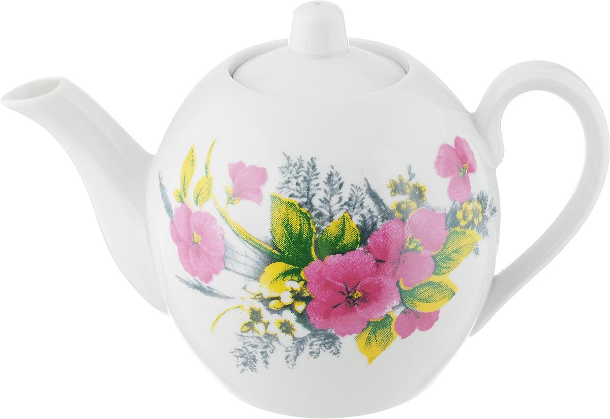 """Заварочный чайник Фарфор Вербилок """"Виола. Вид 2"""" изготовлен из высококачественного фарфора. Изделие прекрасно подходит для заваривания вкусного и ароматного чая, а также травяных настоев. Отверстия в основании носика препятствуют попаданию чаинок в чашку. Оригинальный дизайн сделает чайник настоящим украшением стола. Он удобен в использовании и понравится каждому.Диаметр чайника (по верхнему краю): 6 см.  Высота чайника (без учета крышки): 12 см."""