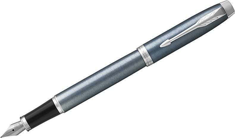 Parker Ручка перьевая IM Light Blue Grey CT синяя1931648Перьевая ручка в лакированном корпусе серо-синего цвета с круговой полировкой. Хромированная отделка деталей с полировкой