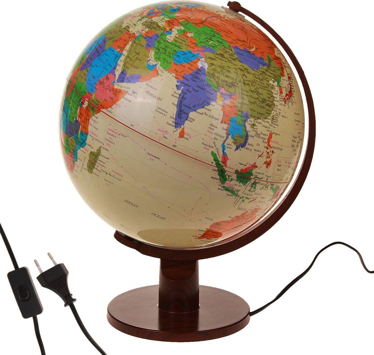 Глобус Политическая карта на английском языке диаметр 32 см186792Данная модель дает представление о политическом устройстве мира. Макет показывает расположение государств, столиц и крупных населенных пунктов. Названия всех объектов приведены на английском языке. Страны окрашены в разные цвета, чтобы вам было удобнее ориентироваться. На глобусе также отображены: экватор параллели меридианы градусы государственные границы демаркационные линии.Используйте изделие как ночник. Он оснащен мягкой, приглушенной LED-подсветкой. Характеристики Высота глобуса с подставкой: 45 см. Диаметр: 32 см. Масштаб: 1:40 000 000.Изготовлен из прочного пластика.