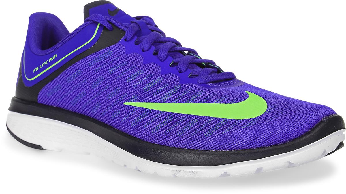 Кроссовки для бега мужские Nike Fs Lite Run 4, цвет: синий. 852435-400. Размер 10 (43,5)852435-400Модные мужские кроссовки для бега Fs Lite Run 4 от Nike, выполненные из текстиля, дополнены бесшовными накладками. Подкладка из текстиля обеспечивает комфорт. Стелька FitSole способствует удобной посадке, обеспечивает амортизацию и поддержку стопы во время тренировки. Шнуровка надежно зафиксирует модель на ноге. Подошва дополнена рифлением.