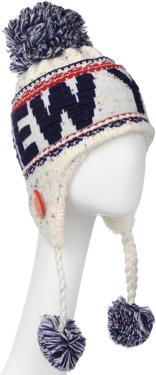 Шапка Robin Ruth New York, цвет: белый, синий. HNY506-K. Размер универсальныйHNY506-KСтильная шапка Robin Ruth с вязаной надписью New York приятно дополнит ваш образ в холодную погоду. Шапка подходит для повседневной носки и для активного зимнего отдыха, а также в качестве подарка вашим родным и знакомым.Внешняя сторона шапки - вязаное полотно, подкладка - мягкий плюшевый мех. Шапка с завязками очень практична - благодаря широким и удлиненным ушкам тепло и комфорт вам обеспечены даже в самую ветреную погоду.Шапка оформлена помпоном, завязки выполнены в виде кос с помпонами на концах и декорирована пластиковым значком с логотипом фирмы. Теплая шапка станет отличным дополнением к вашему гардеробу, в ней вам будет уютно и тепло!
