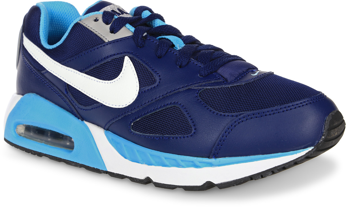 Кроссовки для девочки Nike Air Max Ivo (Gs) Running Shoe, цвет: темно-синий. 579998-400. Размер 4 (35,5)579998-400Модные кроссовки для девочки Air Max Ivo (Gs) Running Shoe от Nike выполнены из натуральной кожи и текстиля. Подкладка и стелька из текстиля обеспечивают комфорт. Шнуровка надежно зафиксирует модель на ноге. Подошва дополнена рифлением. Видимая вставка Max Air в области пятки для максимальной защиты от ударных нагрузок.
