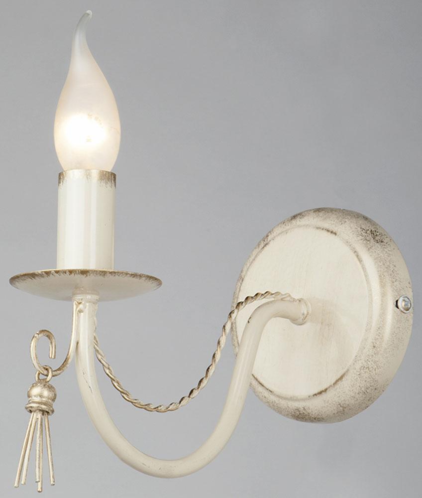 Светильник настенный Vitaluce, 1 х E14, 60 Вт. V1080/1AV1080/1AСветильник Vitaluce, выполненный из высококачественных материалов, крепится к стене. Изделие дополнит интерьер спальной комнаты или гостиной. К светильнику предусмотрен цоколь Е14 для лампы мощностью 60 Вт.