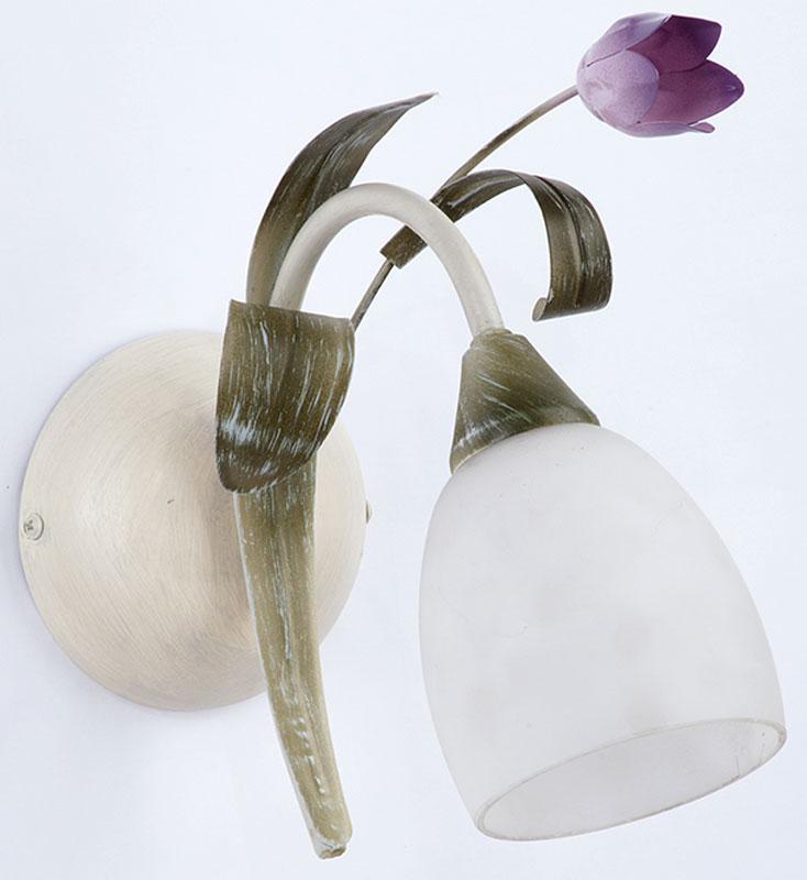 Светильник настенный Vitaluce, 1 х E14, 60 Вт. V1467/1AV1467/1AСветильник Vitaluce, выполненный из высококачественных материалов, крепится к стене. Изделие имеет оригинальный дизайн. Оно дополнит интерьер спальной комнаты или гостиной. К светильнику предусмотрен цоколь Е14 для лампы мощностью 60 Вт.