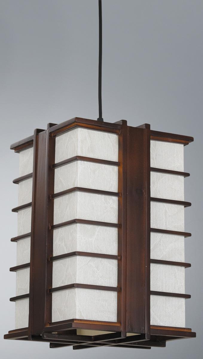 Люстра Vitaluce, 1 х E27, 60W. V6922/1SV6922/1SЛюстра Vitaluce, выполненная в классическом стиле, станет украшением вашей комнаты и изысканно дополнит интерьер. Материал каркаса люстры выполнен из качественного дерева, а абажур изготовлен из бумаги.В коллекциях Люстр Vitaluce представлены разные стили - от классики до хайтека. При разработке и создании новых изделий тщательно подобраны все элементы и комплектующие, а также контролируется высокое качество на каждом этапе производства, большое внимание уделяется подбору цвета и декорированию изделия, что делает светильники гармоничными и законченными.