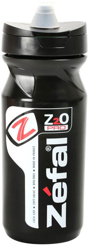 Фляга велосипедная Zefal Z2O Pro 65, цвет: черный, 650 мл143BСамая технически продвинутая фляга Zefal Z2O Pro 65 отличается наличием двойной системы закрытия фляги: для катания и транспортировки. Для транспортировки фляги в рюкзаке и предотвращения протечек на 100% вы можете закрыть основной клапан поворотом крышки. Силиконовый питьевой порт добавляет комфорта при питье: для открытия фляги порт достаточно сжать зубами. Все фляги производятся из пищевого полипропилена, который не содержит BPA, не имеет запаха, не влияет на вкус напитка и на 100% безопасен.ZEFAL – старейший французский производитель велосипедных аксессуаров премиального качества, основанный в 1880 году, является номером один на французском рынке велосипедных аксессуаров.• Мягкий силиконовый питьевой порт. • Полное закрытие фляги поворотом крышки. • Подходит ко всем флягодержателям.