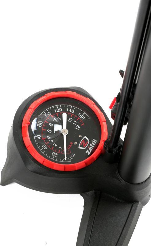 """Напольный насос Zefal """"Profil Max FP60"""" создан для людей, которые любят ухаживать за своим велосипедом. Это высококачественный насос позволяющий без долгих усилий, быстро и точно установить необходимое давление в колёсах. Модель Profil Max FP60 оснащена системой Z-Switch для быстрой смены типа клапана: Presta, Shreder или Dunlop. Для большего удобства использования насос оснащён длинным (1100 мм.) шлангом и линзой увеличивающей цифры на манометре. ZEFAL – старейший французский производитель велосипедных аксессуаров премиального качества, основанный в 1880 году, является номером один на французском рынке велосипедных аксессуаров. • Для всех ниппелей: Presta, Schrader и Dunlop. • Система быстрой смены типа клапана Z-Switch. • Игла для накачивания спортивных мячей. • Линза увеличивающая цифры на манометре. • Накачка давления до 11 Bar (160 Psi). • Длина шланга 1100 мм. • Стальной корпус"""
