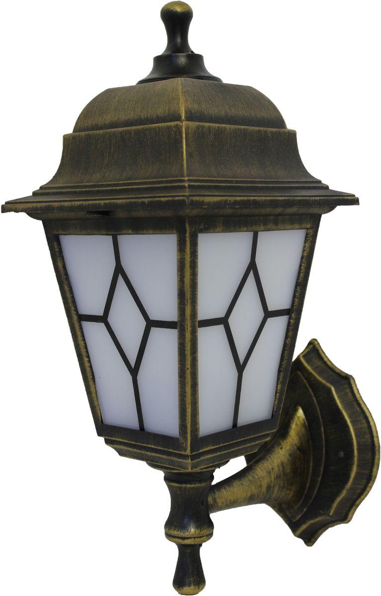 """Настенный садовый светильник Duwi """"Riga"""" выполнен в классическом стиле. Корпус изготовлен из ударопрочного пластика и окрашен в цвет состаренного золота. Рассеиватель выполнен из матового пластика. Отличительная особенность - возможность крепления двумя способами: """"бра вверх"""" и """"бра вниз"""".  Задняя крышка снабжена уплотнителем, который надежно защищает электропроводку от внешних воздействий. Изделие имеет монтажный разъем для легкого и быстрого подключения. Возможность использования с любыми лампами, имеющими цоколь E27 (накаливания, энергосберегающими, светодиодными). Светильник работает от сети 220 В, обладает высокой степенью пыле- и влагозащищенности IP44. Светильники Duwi """"Riga"""" - идеальное решение для декоративного освещения летних домиков, беседок или садовых дорожек. Садово-парковые светильники под брендом DUWI изготавливаются в соответствии со строгими европейскими стандартами качества."""