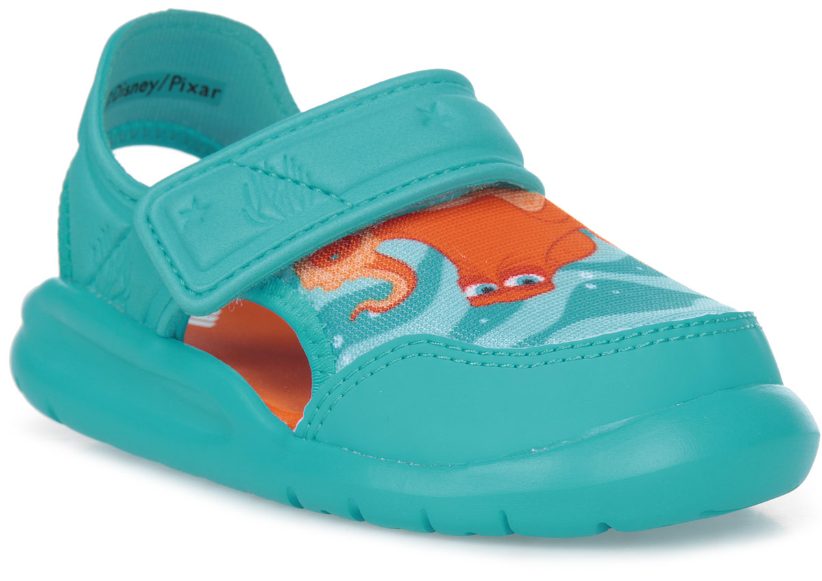Сандалии для мальчика adidas Disney Nemo FortaSw, цвет: голубой. BA9333. Размер 23BA9333В этих очаровательных пляжных сандаликах с осьминогом Хэнком из мультфильма В поисках Дори малышам будет удобно играть у бассейна или на берегу моря. Текстильная подкладка обеспечивает комфорт маленьким ножкам, а мягкие ремешки на липучке облегчают надевание и снимание.