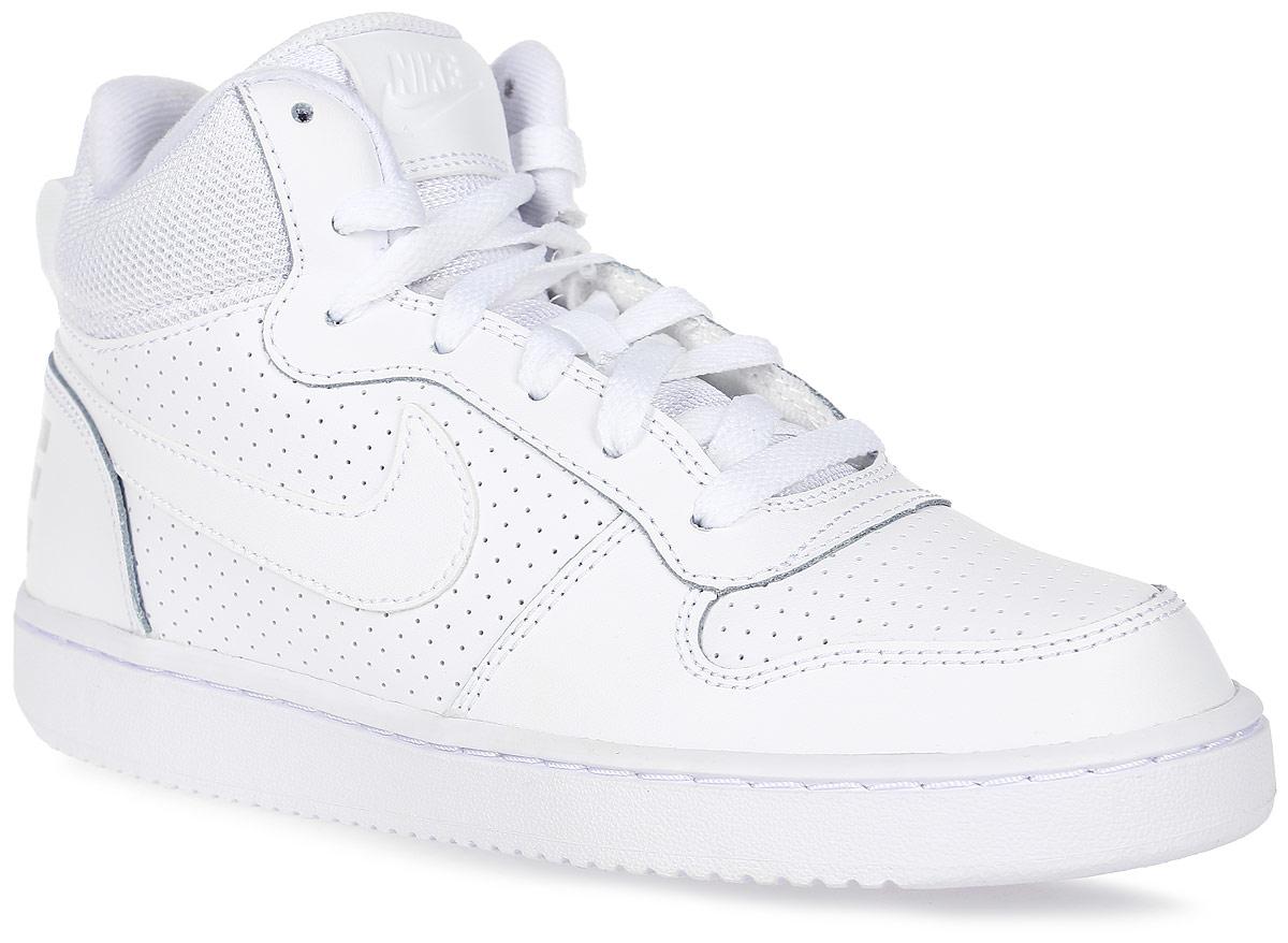 Кеды детские Nike Recreation Mid, цвет: белый. 839977-100. Размер 4 (35)839977-100Высокие детские кеды Recreation Mid от Nike выполнены из натуральной кожи, оформленной перфорацией, и текстиля. Внутренняя поверхность и стелька из текстиля комфортны при движении. Шнуровка надежно зафиксирует модель на ноге. Резиновая подошва типа Cupsole усиливает поддержку и сцепление с поверхностью.
