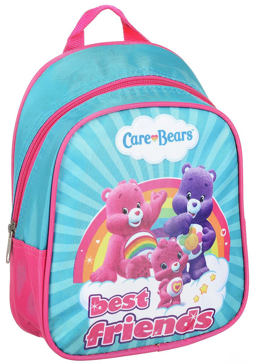 Care Bears Рюкзак дошкольный Best Friends 3172831728Легкий и компактный дошкольный рюкзачок Care Bears - это красивый и удобный аксессуар для вашего ребенка. Рюкзак оформлен рисунком с милыми мишками. Рюкзак состоит из одного отделения на застежке-молнии. В отделении легко поместятся не только игрушки, но даже тетрадка или книжка. Благодаря регулируемым лямкам, рюкзачок подходит детям любого роста. Удобная ручка помогает носить аксессуар в руке или размещать на вешалке. Износостойкий материал с водонепроницаемой основой и подкладка обеспечивают изделию длительный срок службы и помогают держать вещи сухими в дождливую погоду.