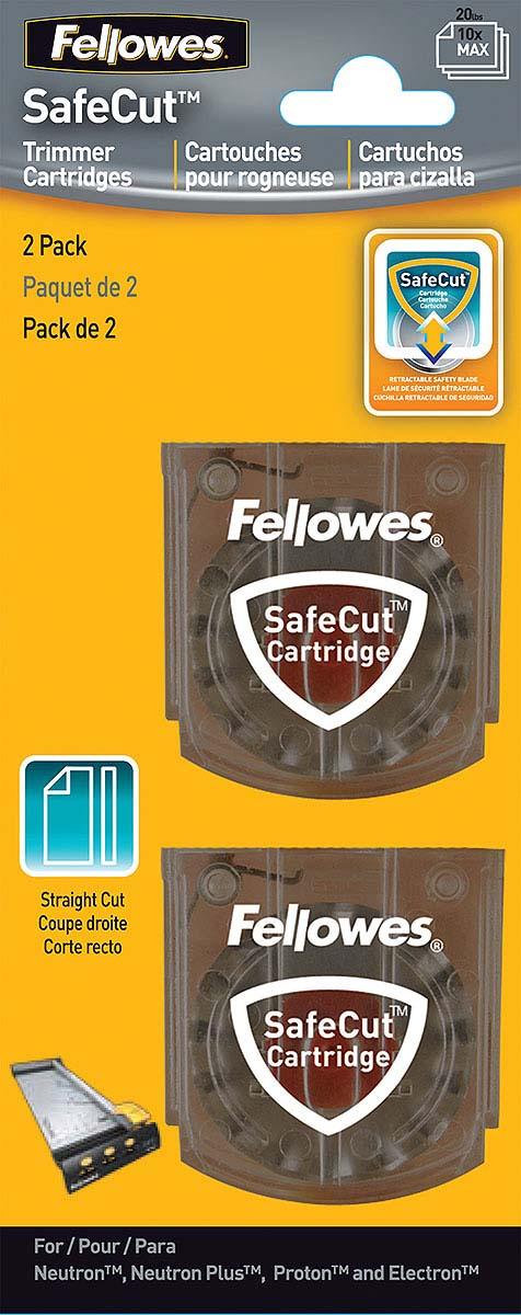 Fellowes FS-54114 нож для резаков Neutron, Proton, Electron (прямая резка) (2 шт)FS-54114Для поддержки линейки SafeCut дисковых резаков предусмотрены дополнительные наборы лезвий в безопасных SafeCut картриджах. Нож в картридже абсолютно безопасен для пользователя. Картридж освобождает лезвие только в момент резки с помощью нажатия. Набор FS-54114 из 2-х SafeCut картриджей для прямой резки. Дополнительные лезвия способны разрезать одновременно 10 листов бумаги (80гр/кв.м). Набор предназначен для замены аналогичных картриджей у моделей Neutron A4, Neutron A4 Plus, Proton А3/А4, и Electron А3/А4.