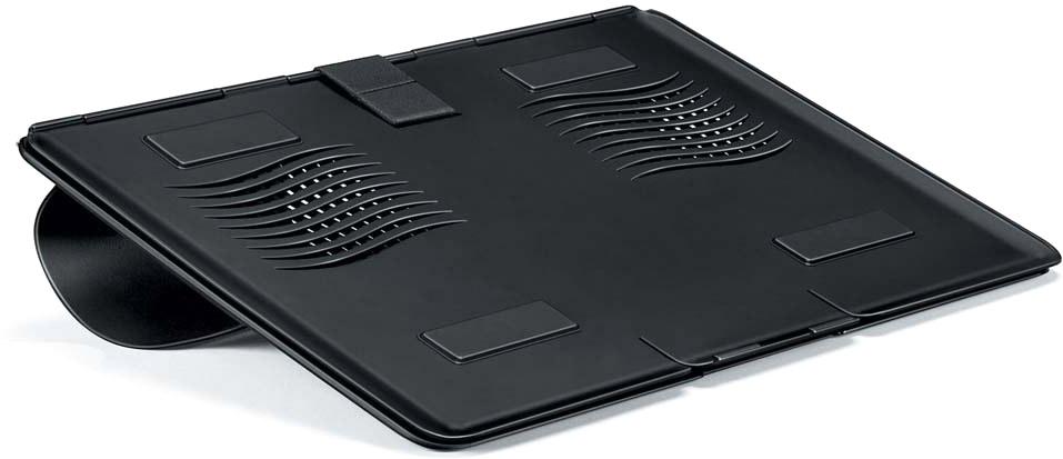 Fellowes FS-80304 портативная подставка для ноутбукаFS-80304Подставка для ноутбука FS-80304 Go Riser помогает снижать напряжение шеи, плеч и глаз во время длительной работы с ноутбуком.Поддержка ноутбуков до 17 включительно.Обеспечивает правильное положение клавиатуры ноутбука.Портативна и компактна, толщина в сложенном виде всего 8 мм.За счет своей конструкции не допускает нагрева ноутбука.Нескользящая поверхность.