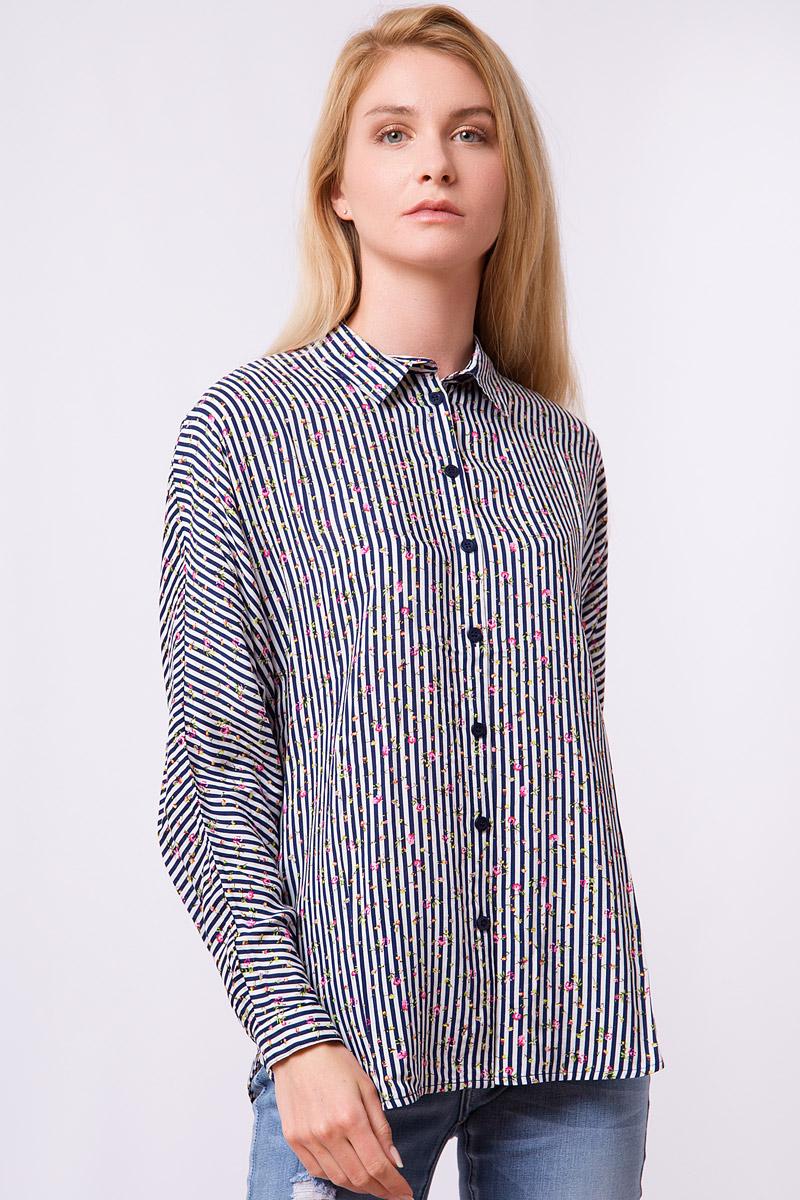 Блузка женская Finn Flare, цвет: темно-синий. S17-32008_101. Размер S (44)S17-32008_101Дизайнеры FiNN FLARE создали для вас удивительную свободную блузку в контрастную полоску, которая еще усыпана розоватыми цветочками. Налицо – фаворит среди офисных рубашек и повседневных топов! Такую модель можно надевать навыпуск с джинсами или свободными брюками в тон или заправить в юбку-карандаш или кюлоты.