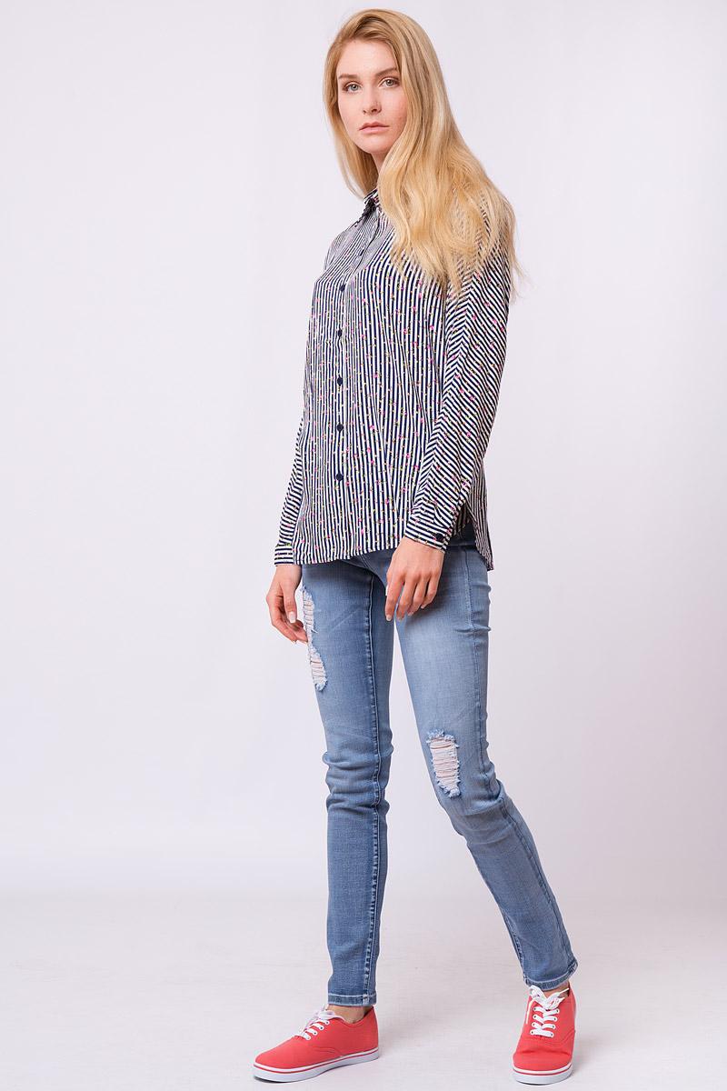 Блузка женская Finn Flare, цвет: темно-синий. S17-32008_101. Размер XL (50)S17-32008_101Дизайнеры FiNN FLARE создали для вас удивительную свободную блузку в контрастную полоску, которая еще усыпана розоватыми цветочками. Налицо – фаворит среди офисных рубашек и повседневных топов! Такую модель можно надевать навыпуск с джинсами или свободными брюками в тон или заправить в юбку-карандаш или кюлоты.