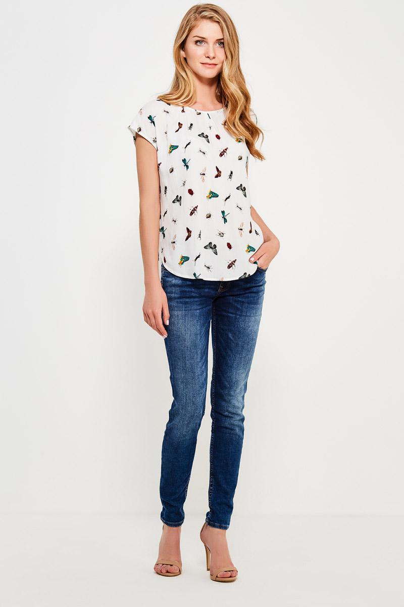 Блузка женская Finn Flare, цвет: белый. S17-32046_201. Размер M (46)S17-32046_201Стильная блузка с коротким рукавом и удлиненной спинкой с красочным принтом, изготовленная из вискозы, – отличное приобретение для вашего летнего гардероба. Модель оптимальной длины: её можно заправить в юбку или брюки или носить навыпуск.