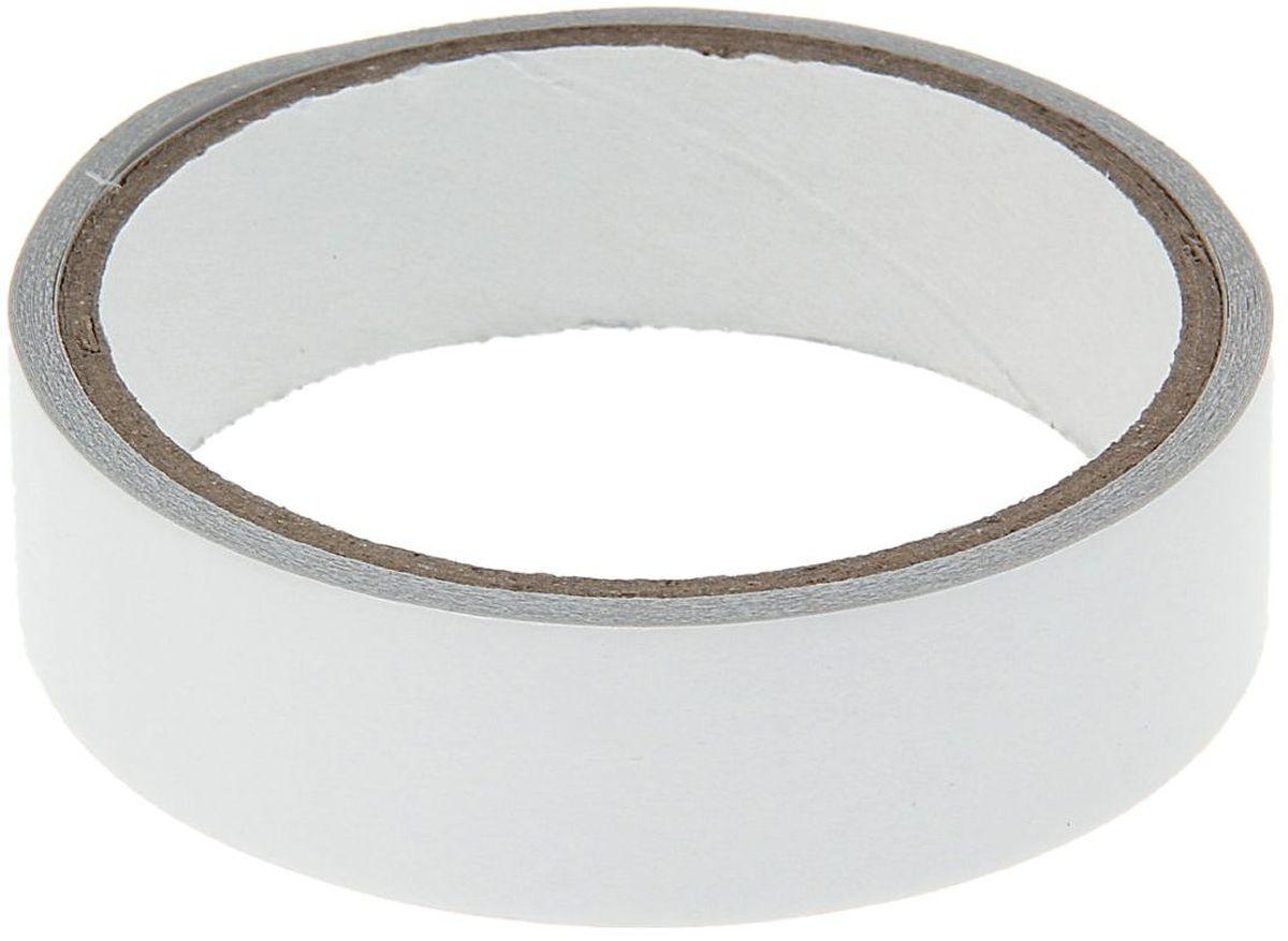Клейкая лента двусторонняя 25 мм х 5 м546661Двусторонняя клейкая лента обладает высокой гибкостью и мягкостью, что позволяет применять ее на шероховатых и грубых поверхностях. Лента хорошо наклеивается на кромки, точно повторяя все изгибы поверхности.Двусторонние клейкие ленты предназначены для наклеивания на горизонтальные поверхности линолеума, ковровых и других напольных покрытий, для вывешивания плакатов, фотографий, постеров, полотен и других бумажных изделий, нетяжелых оформительских и декоративных элементов интерьера, для крепежа панелей и легких конструкций.