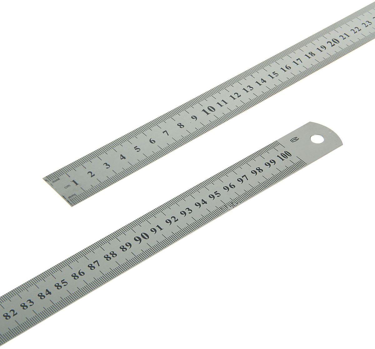 Линейка 1 м1509756Линейка выполнена из металла имеет шкалу на 100 см. Линейка предназначена для измерения и разметки линейных размеров. С ее помощью легко определить длину, ширину, и отмерить необходимое расстояние.