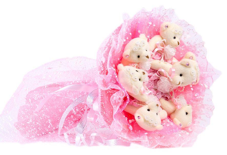 Букет из игрушек Toy Bouquet Медвежата Зефирки, цвет: розовый, 7 игрушекBZ005-7-41Букет из 7 мягких плюшевых мишек, упакован в воздушную флористическую сетку розового цвета, декорирован нежным кружевом по краю букета и перевязан широкой атласной лентой с добавлением серебристой парчовой тесьмы.Букет из игрушек – это идеальный подарок, который подойдет к любому празднику, событию или торжеству.