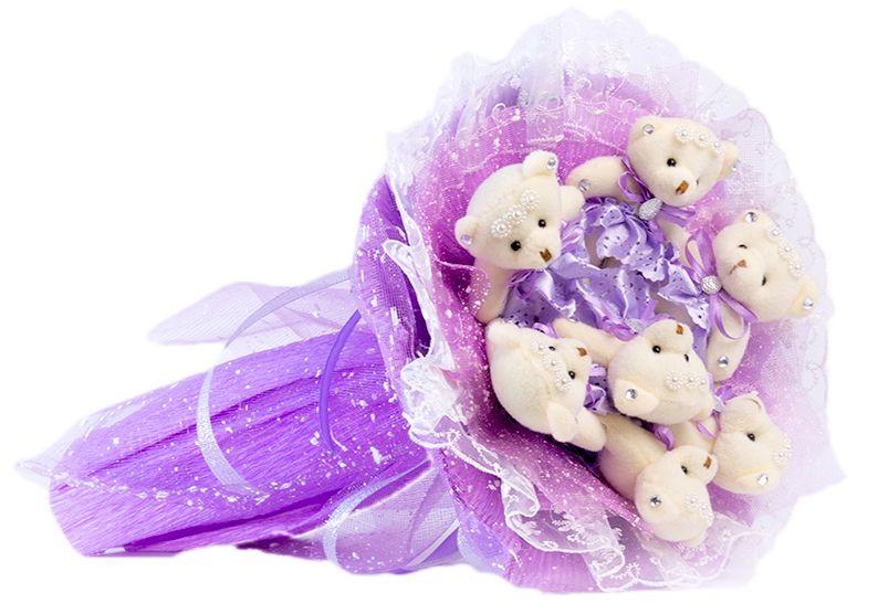 Букет из игрушек Toy Bouquet Медвежата Зефирки, цвет: фиолетовый, 7 игрушекBZ005-7-43Букет из 7 мягких плюшевых мишек упакован в воздушную флористическую сетку фиолетового цвета, декорирован нежным кружевом по краю букета и перевязан широкой атласной лентой с добавлением серебристой парчовой тесьмы. Букет из игрушек – это идеальный подарок, который подойдет к любому празднику, событию или торжеству.