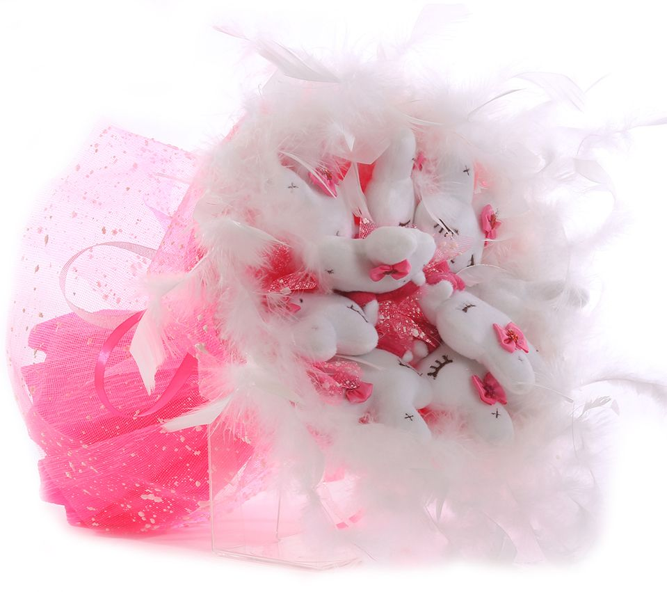 Букет из игрушек Toy Bouquet Зайчата, цвет: розовый, 9 игрушекRW002-9-41Букет из 9 милых зайчиков, розового цвета, упакован в мягкую струящуюся органзу, декорирован пышным белым боа по краю букета и перевязан широкой атласной лентой с добавлением серебристой парчовой тесьмы. Мягкие игрушки, оформленные в букет – приятный подарок для любимой, для мамы, подруги или для ребенка. Оригинальные букеты торговой марки TOY BOUQUET из мягких игрушек прекрасно подойдут для многих праздников: День Святого Валентина, 8 марта, день рождения, выпускной, а также на другие памятные даты или годовщины.