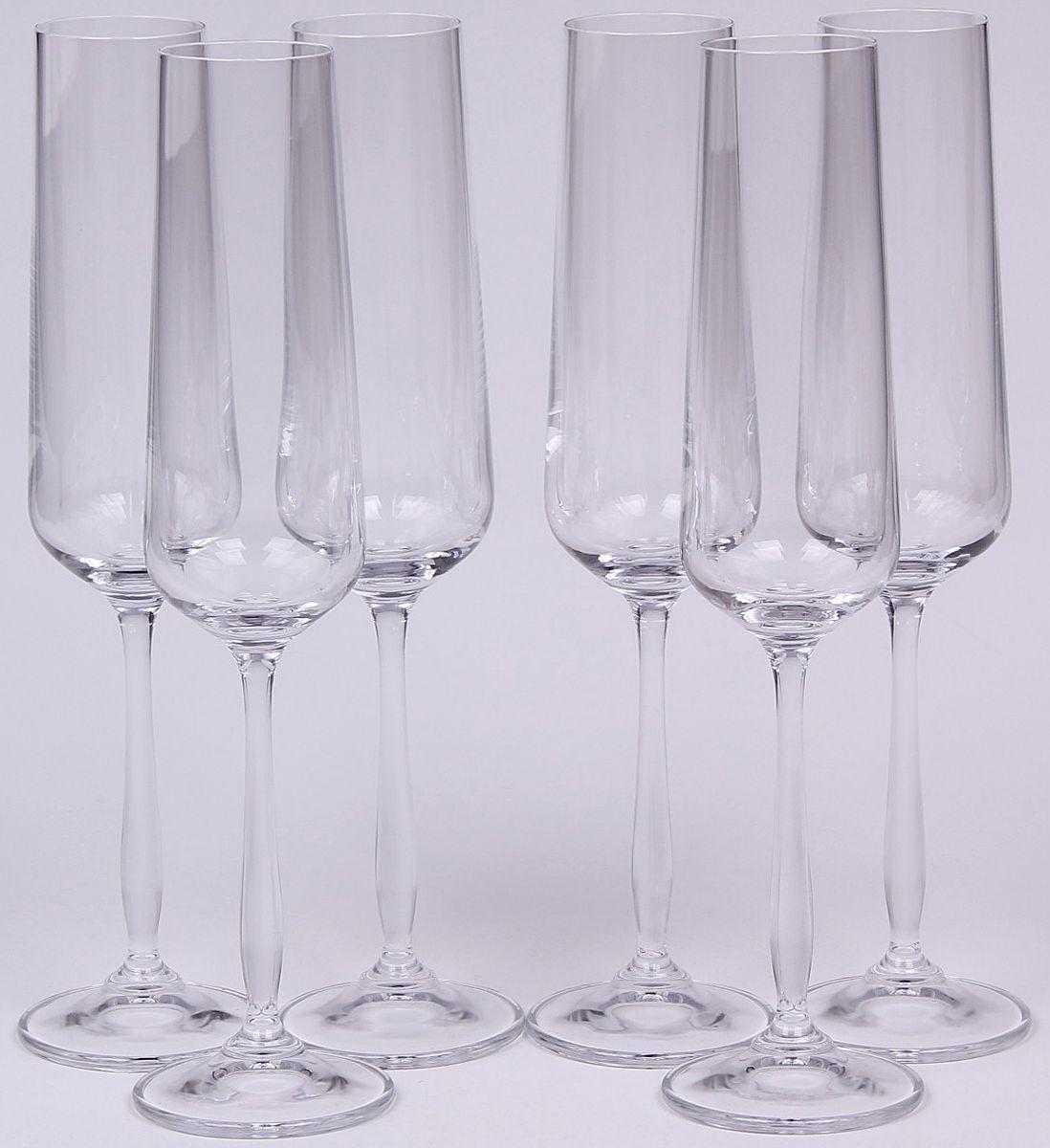 Набор бокалов для шампанского Banquet Crystal, 235 мл, 6 шт. 02B2G00323502B2G003235Набор Banquet Crystal состоит из шести бокалов для шампанского, выполненных из стекла. Изделия оснащены ножками. Бокалы сочетают в себе элегантный дизайн и функциональность. Благодаря такому набору пить напитки будет еще вкуснее.
