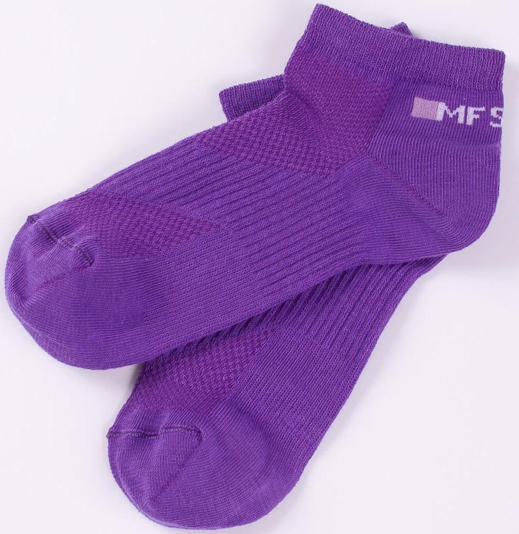 Носки женские Mark Formelle, цвет: фиолетовый. 300C-153_840. Размер 25 (38/39)300C-153_840Удобные носки Mark Formelle, изготовленные из высококачественного комбинированного материала, очень мягкие и приятные на ощупь, позволяют коже дышать. Эластичная резинка плотно облегает ногу, не сдавливая ее, обеспечивая комфорт и удобство. Модель с укороченным паголенком дополнена принтом. Практичные и комфортные носки великолепно подойдут к любой вашей обуви.