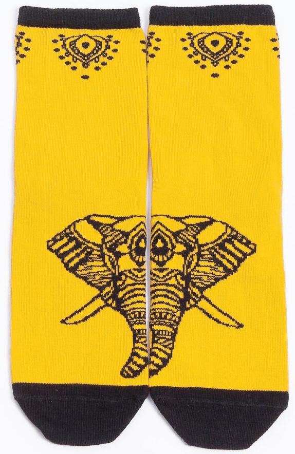 Носки женские Mark Formelle, цвет: желтый. 211K-417_192. Размер 25 (38/39)211K-417_192Удобные носки Mark Formelle, изготовленные из высококачественного комбинированного материала, очень мягкие и приятные на ощупь, позволяют коже дышать. Эластичная резинка плотно облегает ногу, не сдавливая ее, обеспечивая комфорт и удобство. Модель с укороченным паголенком. Практичные и комфортные носки великолепно подойдут к любой вашей обуви.