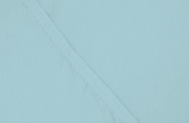 Простыня на резинке Ecotex, цвет: голубой, 180 х 200 смПРТ18 голубойПростыня на резинке по всему периметру - это очень удобно! Она всегда ровно, без единой морщинки, застилает матрас. Легко заправляется и фиксируется с помощью юбки с резинкой по всему периметру.Нежное прикосновение к телу бархатного на ощупь хлопка, мягкая фактура ткани - вот основное преимущество трикотажных простыней на резинке. Они практичны в уходе, не требуют глажения после стирки, мягкие, экологичные, защищают матрас от загрязнений.Размер простыни: 180 x 200 см.