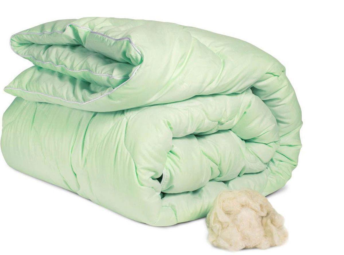 """Теплое одеяло """"Peach"""" с наполнителем из бамбукового волокна превосходно согреет вас  холодными ночами. Волокно бамбука - это натуральный материал, добываемый из  стеблей растения. Он обладает способностью  быстро впитывать и испарять влагу, а также  антибактериальными свойствами, что препятствует  появлению  пылевых клещей и болезнетворных бактерий.  Изделия с наполнителем из бамбука легко пропускают  воздух. Они отличаются превосходными  дезодорирующими свойствами, мягкие, легкие, простые в  уходе, гипоаллергенные и подходят абсолютно всем.  Чехол одеяла выполнен из микрофибры. Одеяло простегано  и окантовано. Стежка надежно удерживает наполнитель  внутри и не позволяет ему скатываться.   Плотность наполнителя: 300 г/м2. Размер: 172 х 205 см."""