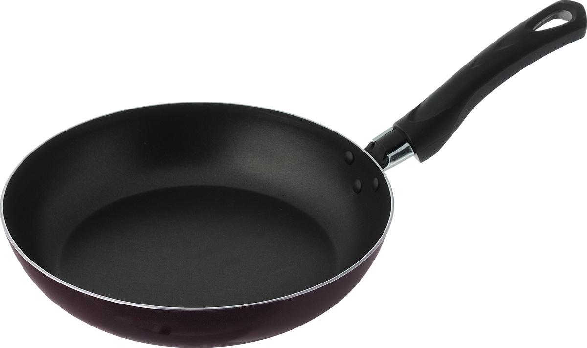 """Сковорода """"Мастерица"""" выполнена из высококачественного алюминия с антипригарным покрытием. Такое покрытие предотвращает пригорание пищи, готовить можно без масла и жира. Корпус из пищевого алюминия гарантирует быстрый и равномерный нагрев. Сковорода дополнена удобной пластиковой ручкой. Можно использовать в посудомоечной машине."""