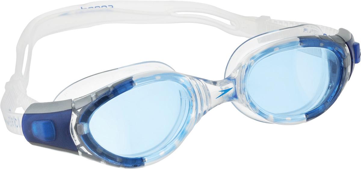 Очки для плавания Speedo Futura Biofuse, цвет: белый, голубой01232-9308Очки для плавания Speedo Futura Biofuse обладают отличным обзором и технологией BioFUSE. Технология Biofuse представляет собой супер мягкий уплотнитель и гибкую рамку, которые идеально адаптируются под контур лица для максимального комфорта и надежной фиксации. AntiFog препятствует запотеванию линз. Голубые линзы снижают яркость бликов в воде и обеспечивают отличную видимость без искажения цветов.
