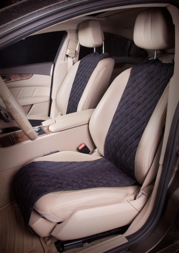 Накидка на сиденье Airline, цвет: черный, 2 шт. ACS-F-01ACS-F-01Накидки Airline изготовлены из износоустойчивой ворсовой мебельной ткани и защищают штатную обивку от истирания и выцветания. Идеально подходят к кожаному салону, обеспечивая комфортную температуру при контакте с сиденьем в холодную и жаркую погоду, а стеганый дизайн придает салону домашний комфорт и уют. Благодаря своей форме накидки позволяют без затруднений надевать их на кресла любого типа, не прибегая к демонтажу подголовников и подлокотников, а так же не препятствует раскрытию подушек безопасности.Все модели, имеют универсальную систему крепления позволяющую применять изделие на 99% существующего автопарка России.Размер - универсальный.Состав - полиэстер, хлопок, вспененный полиуретан.Комплект состоит из двух накидок на передний ряд кресел. Защищает обивку автомобильных сидений от истирания;Износостойкая ворсовая ткань;Универсальное крепление и размер;Удобные застежки на направляющие подголовника;Не препятствует раскрытию подушек безопасности;Возможность применения на заднем сиденье.