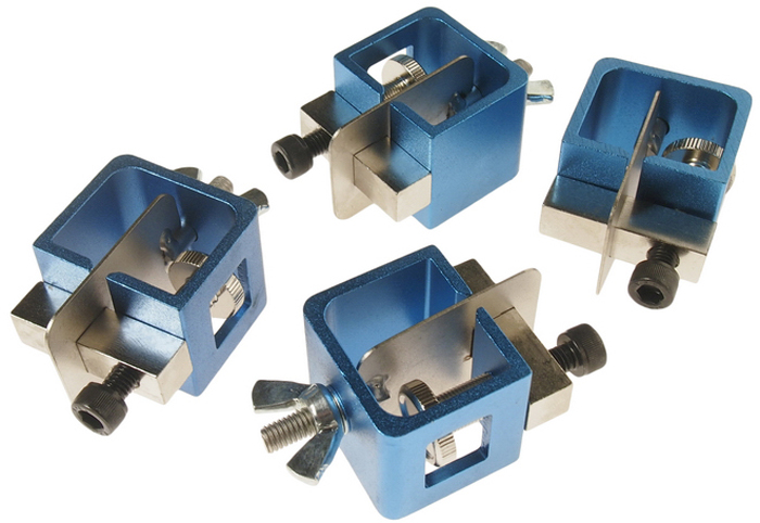 JTC Набор зажимов для сварочных работ. JTC-2555JTC-2555Использование зажимов для стыковки свариваемых деталей обеспечивает идеальный сварочный шов. Обеспечивает аккуратную стыковку краев свариваемых деталей практически без зазоров. Запатентованная конструкция с возможностью установки уровня позволяет аккуратно соединять материалы разной толщины. Установка уровня предусматривает выравнивание по одной линии верхних или нижних поверхностей свариваемых деталей (0 - 3 мм)