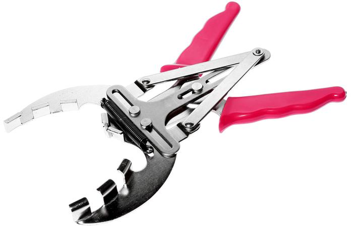 JTC Клещи для установки поршневых колец, 50-100 мм. JTC-4008JTC-4008Изготовлены из высококачественной стали. Никелированные. Используются для снятия и установки поршневых колец. Рабочий диапазон: 50-100 мм. Габаритные размеры: 275/165/20 мм. (Д/Ш/В) Вес: 307 гр.