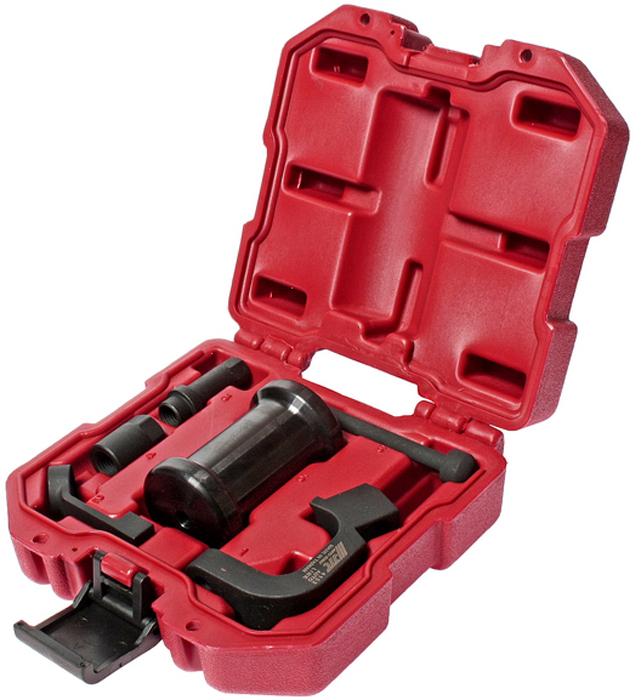 JTC Набор для снятия форсунок дизельных двигателей типа TDI (Volkswagen, Audi). JTC-4152JTC-4152Инструмент является уникальной разработкой JTC и защищен международным патентом. Не имеет аналогов на рынке.Особенность патента: Специально разработан для снятия прикипевших форсунок с дизельных двигателей типа TDI группы VAG, с учетом точности угла входа инструмента, а также исключение вероятности повреждения элементов топливной системы. Применение: VAG TDI1.6 (2010≥), 2.0 (2009≥), 2.0 (2011≥): 4-х цилиндровых 8V, 16V (2005-2008).Упаковка: прочный пластиковый кейс.Габаритные размеры: 170/160/70 мм. (Д/Ш/В)Вес: 1550 гр.