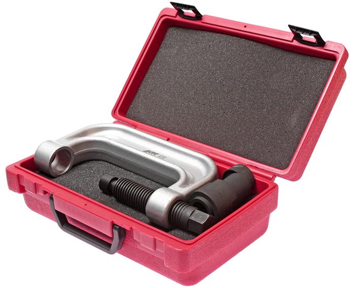 JTC Приспособление для снятия и установки шаровых опор переднего нижнего рычага подвески (MERCEDES W220, W211). JTC-4728JTC-4728Предназначено для снятия/установки шаровых опор переднего нижнего рычага подвески.Все работы выполняются прямо на автомобиле.Применение: W220, W211.Упаковка: прочный переносной кейс.Габаритные размеры: 300/185/110 мм. (Д/Ш/В)Вес: 4527 гр.
