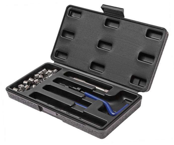 JTC Набор для восстановления резьбы (вставки M10x1,5, длина 13,5 мм, 10 шт), 14 предметов. JTC-4784JTC-4784В комплекте 14 предметов В комплект входят: сверло, метчик, установочный инструмент, инструмент для обламывания хвостовика, резьбовые вставки Размеры: М10х1.5 Длина: 13.5 мм. Количество резьбовых вставок: 10 шт. Упаковка: прочный пластиковый кейс.Габаритные размеры: 250/125/40 мм. (Д/Ш/В) Вес: 475 гр.