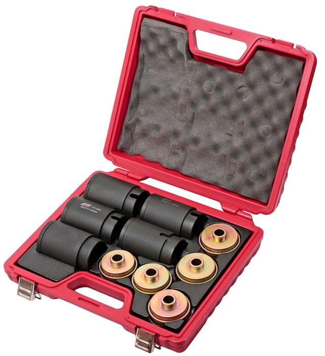 JTC Набор съемников сайлентблоков под гидравлический привод. JTC-4831JTC-4831Набор съемников сайлент-блоков под гидравлический привод JTCХарактеристики Применяется совместно с гидравлическим приводом из JTC-4704.10 комплектов с внутренним диаметром 62-80 мм с шагом 2 мм, 2 единицы на комплект.Упаковка: прочный переносной кейс.Габаритные размеры: 430/430/110 мм (Д/Ш/В)Вес: 18370 г.