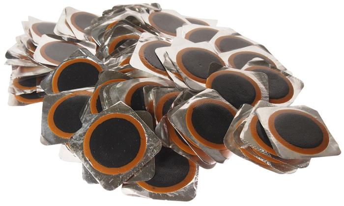 Латки для камер JTC, диаметр 32 мм, 100 шт. JTC-5307JTC-5307Заплатка для камер JTC применяется как в условиях автосервиса, так и в случаях, когда обращение в специализированные центры невозможно (например, на междугородней трассе, проселочной дороге и т.п.). Представляет собой резиновое приспособление с клейкой основой, позволяющее быстро восстановить герметичность шинной камеры без использования дополнительных приспособлений. Диаметр изделия: 32 мм.