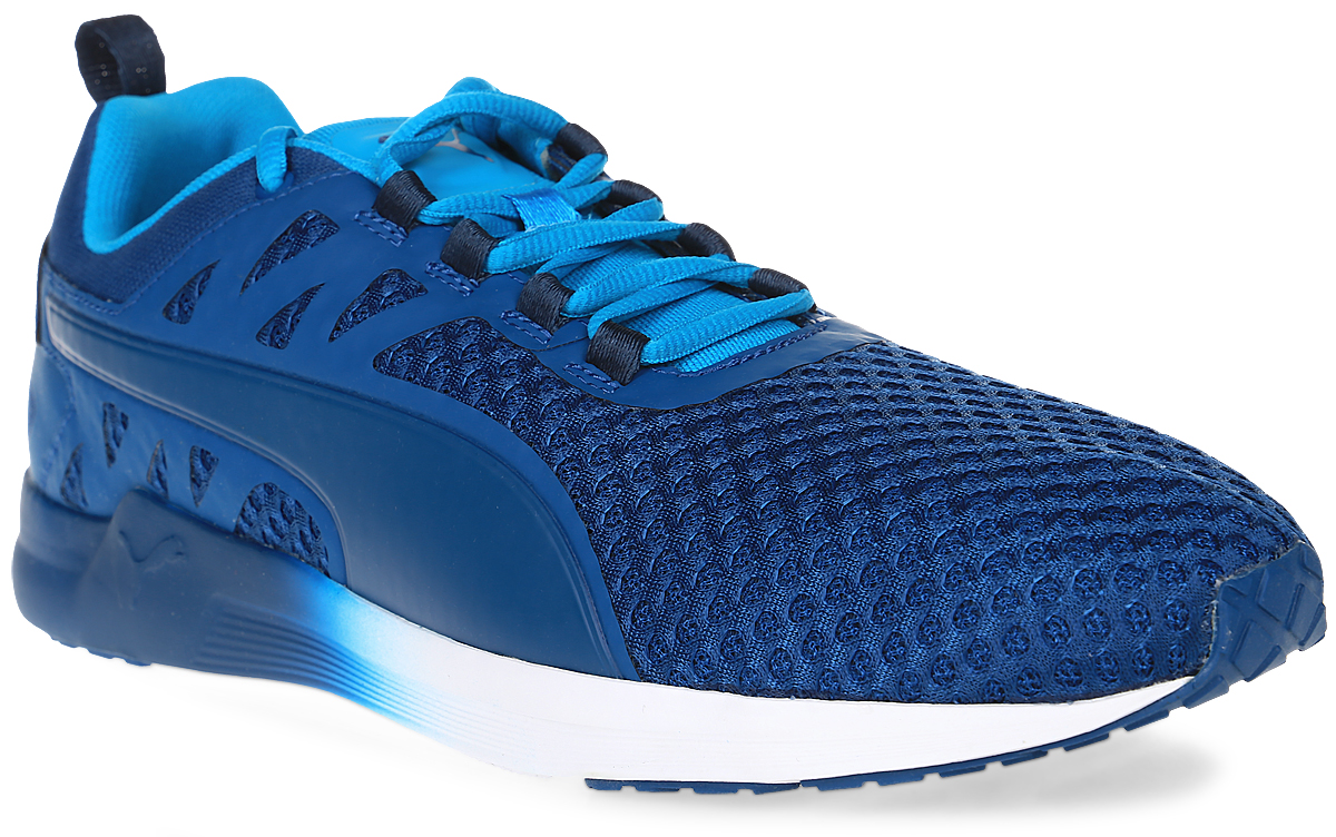 Кроссовки мужские для фитнеса Puma Pulse XT V2 Mesh, цвет: синий. 18947401. Размер 12 (46)18947401Самая динамичная модель тренировочной обуви, разработанная Puma специально для мужчин - это, несомненно, кроссовки Pulse XT V2 Mesh с их лаконичным и мужественным стилем. В этих кроссовках так и хочется бежать быстрее, повышать нагрузки, открывая новые возможности своего организма. Эта сверхэластичная и сверхлегкая модель предназначена для функциональных и силовых тренировок высокой степени интенсивности. Благодаря пене IGNITE энергия толчка не только расходуется, но и возвращается, а эластичная подошва с глубокой бороздой по центру по всей длине позволяет легко и безопасно совершать резкие повороты и смелые маневры. Еще одной мужской чертой в дизайне модели стал чуть завышенный силуэт, мягко поддерживающий голень.