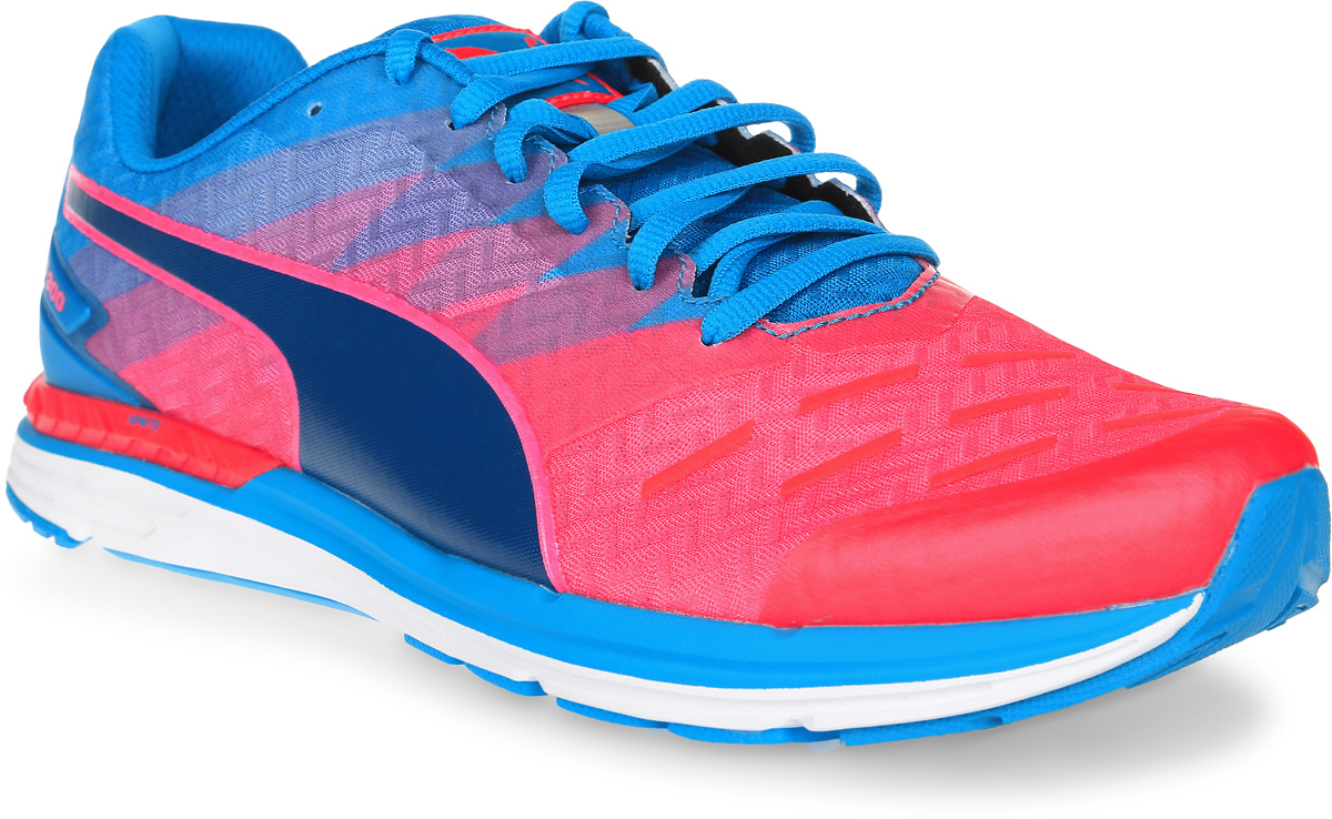 Кроссовки мужские для бега Puma Speed 300 Ignite, цвет: розовый, голубой. 18811409. Размер 9 (42)18811409Стильные мужские кроссовки Speed 300 Ignite от Puma, обладающие отличными амортизирующими свойствами, подарят вам ощущение комфорта. Невероятно легкая модель выполнена из воздухопроницаемого текстиля с синтетическими накладками. Подкладка выполнена из текстиля.Стелька выполнена из ЭВА с текстильной поверхностью. Рифленая подошва из амортизирующей полиуретановой пены обеспечивает максимальное сцепление с поверхностью. Расположенная по центру шнуровка в сочетании с удобной колодкой обеспечивают плотное прилегание к ноге. Плавный 8-миллиметровый переход с пятки на носок обеспечивает оптимальный наклон стопы при беге и легкость движений. Возврат энергии генерирует двухслойная промежуточная подошва, включающая в себя амортизирующий материал нового поколения Ignite, равномерно распределяющий беговые нагрузки и обеспечивающий упругость. Модель дополнена отражающими деталями для видимости и безопасности.Созданные для результатов, эти кроссовки для бега и тренировок позволят вам чувствовать себя легким и быстрым.
