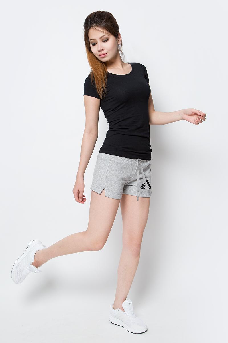 Шорты женские Adidas Ess Solid Short, цвет: серый. S97162. Размер XXS (38)S97162Шорты женские adidas Ess Solid Short выполнены из хлопка с добавлением полиэстера. Дополнена модель эластичным поясом с затягивающимся шнурком.