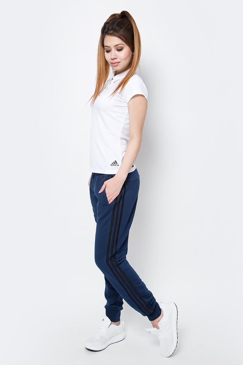 Брюки спортивные женские adidas Ess 3S Pant Ch, цвет: темно-синий. S97110. Размер M (46/48)S97110Брюки спортивные женские adidas Ess 3S Pant Ch выполнены из хлопка с добавлением полиэстера. Женские брюки, в которых комфортно в течение всего дня. Рифленые манжеты и пояс на завязках обеспечивают удобную посадку. Облегающий крой в современном стиле. Культовые три полоски по бокам создают актуальный образ.