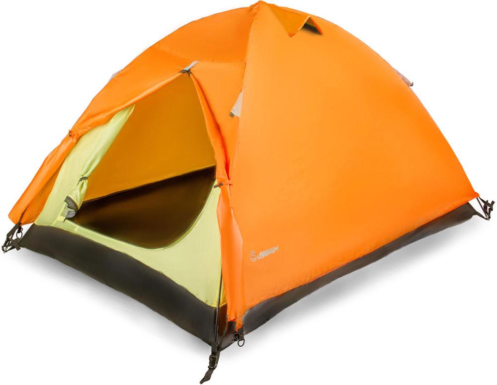 Палатка Larsen A2, цвет: оранжевый, серый225789Трекинговая палатка 2-х местная Larsen A2 с тентом из полиэстера и внутренним материалом из дышащего полиэстера. Пол также выполнен из полиэстера. Имеется антимоскитная сетка. Проклеенные швы.Внутренний размер: 210 х 150 х 110 смМатериал тента: полиэстер 75D/190T PUВнутренний материал: дышащий полиэстерМатериал пола: армированный полиэтилен 140 г/кв мДуги: фиберглас, 7,9 ммВодонепроницаемость тента: 2000 мм Размеры палатки: 270 х 160 х 110 смВес: 2,90 кгТамбур: 50 смВентиляционные отверстия: 3