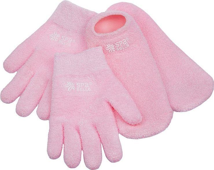 SPA Belle Комплект увлажняющие гелевые перчатки и носки с лавандойSGSFY005PLКомплект: косметические перчатки и носки с гелевой пропиткой с маслами для экспресс-спа ухода за руками и ногами. Применение: очистить кожу, надеть изделия на 20-30 минут перед сном или во время отдыха. Допускается предварительное нанесение на кожу любых косметических средств, если это необходимо. Гель разогревается от тепла тела, масла проникают в кожу, увлажняют, тонизируют, заживляют микротрещины. Изделие можно подвергать ручной стирке в прохладной воде с мыльным раствором, сушка при комнатной температуре. Результат: шелковистая, гладкая и здоровая кожа рук и ног.