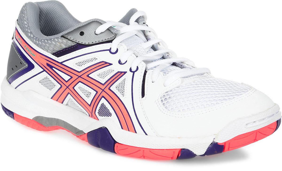 Кроссовки для волейбола женские Asics Gel-Task, цвет: белый, коралловый. B555Y-0106. Размер 8 (38)B555Y-0106Женские кроссовки Asics Gel-Task - это удобная обувь для зальных видов спорта. Модель выполнена из комбинации сетчатого текстиля и легкой искусственной кожи. Подъем оформлен классической шнуровкой, которая надежно фиксирует обувь на ноге и регулирует объем.Стелька, идеально подстраивающаяся под анатомические контуры стопы, изготовлена из ЭВА материала с верхним покрытием из текстиля. Подкладка из текстиля обеспечит уют.Вставка из термостойкого геля на силиконовой основе значительно уменьшает нагрузку на пятку, колени и позвоночник спортсменки, снижая возможность получения травмы.По бокам кроссовки декорированы оригинальным принтом. Язычок и задник дополнены символикой бренда.Колодка California предназначена для стабильности и комфорта.Система Trusstic - обеспечивает стабильность и, в комбинации с формованной средней подошвой, предотвращает скручивание.Износостойкая подошва оснащена рифлением.