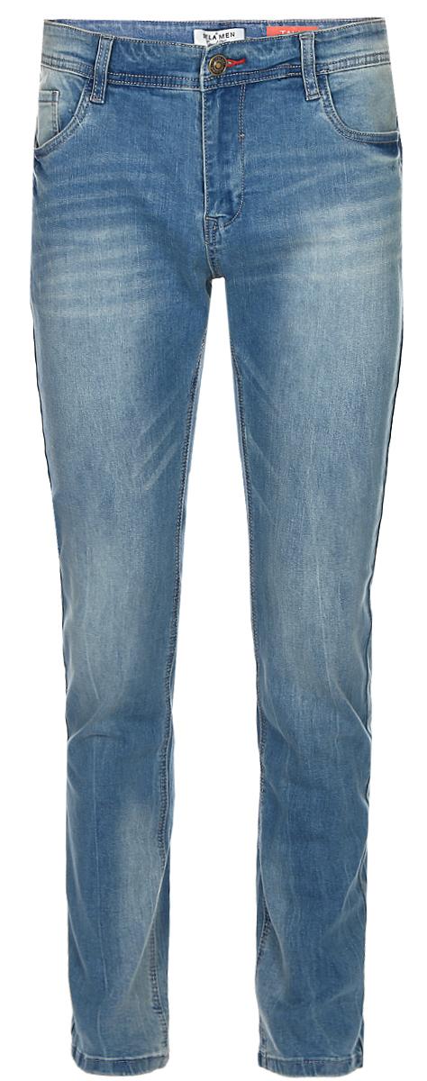 Джинсы мужские Sela, цвет: голубой джинс. PJ-235/1085-7213. Размер 38-34 (54-34)PJ-235/1085-7213Стильные мужские джинсы Sela выполнены из качественного эластичного материала с эффектом потертостей. Джинсы прямого кроя и стандартной посадки на талии застегиваются на пуговицу и имеют ширинку на застежке-молнии. На поясе имеются шлевки для ремня. Модель представляет собой классическую пятикарманку: два втачных и накладной карманы спереди и два накладных кармана сзади.